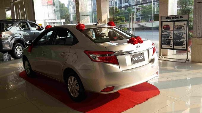 Đuôi xe Toyota Vios 1.5G 2016