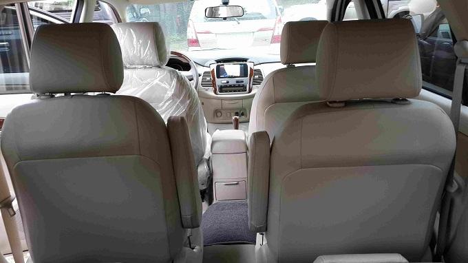 Nội thất Toyota Innova 2.0V 2016