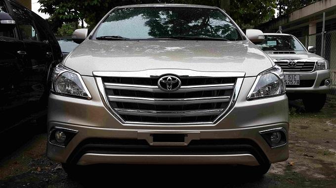 Đầu Xe Toyota Innova 2.0V 2016
