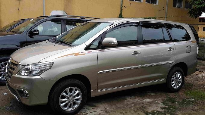 Phần Hông Toyota Innova 2.0V 2016