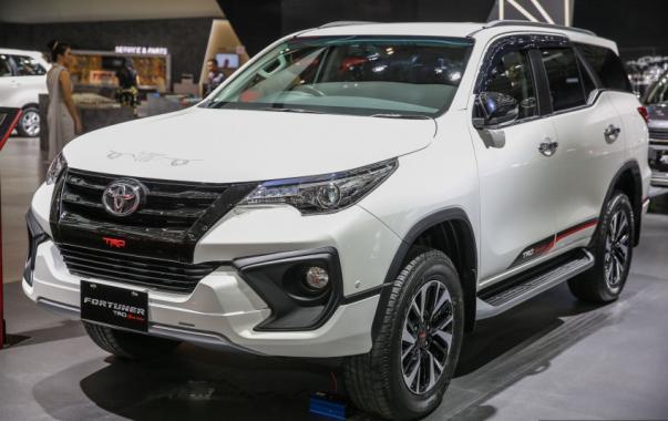 ToyotaFortunerTRD-c672