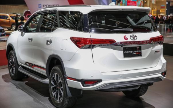 ToyotaFortunerTRD1-29ab